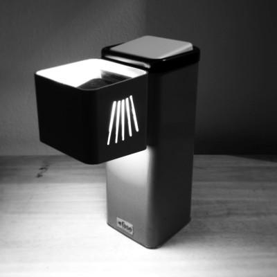 Llum de sobretaula Dissenyador: desconegut  (equip tècnic de Fase?) Any: principis dels anys 1970 Editat per: Industrias Fase Localitat: Madrid